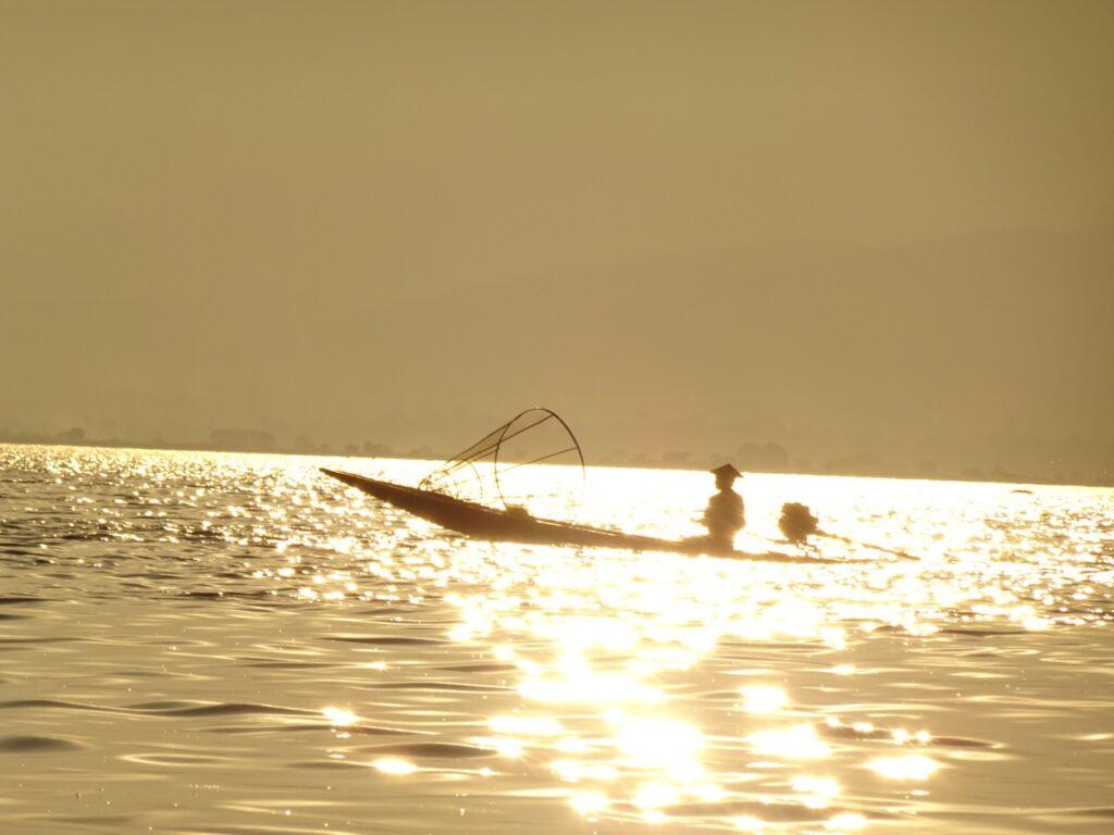 インレー湖 ツアー 夕日