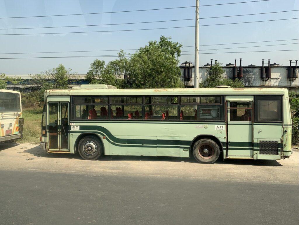 ミャンマー 京都バス